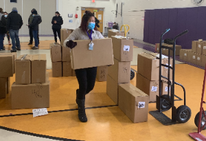 RCS Staff Delivers Meals to Students