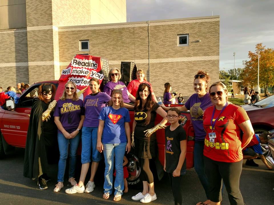 Teachers with homecoming float