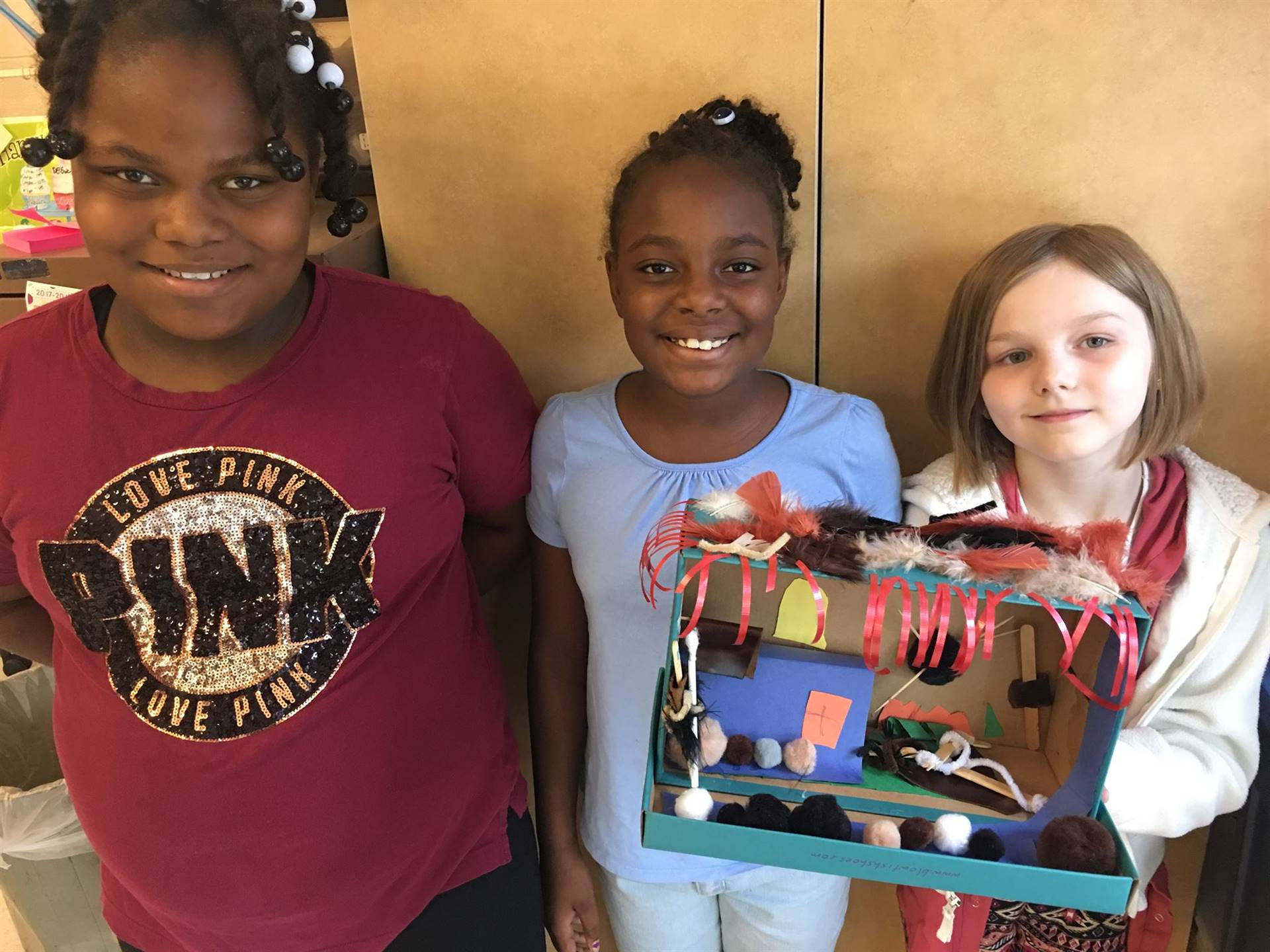 4th grade students with their diorama