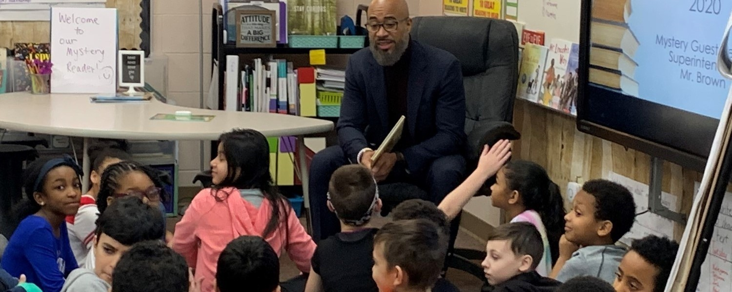Superintendent Brown Reading to Students