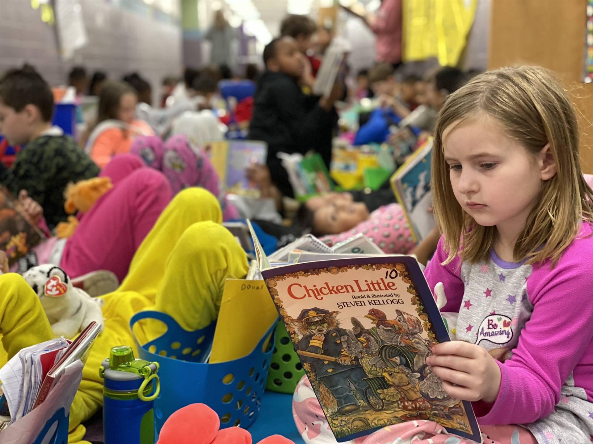 2nd Grade Students participators in Read Across America Week!